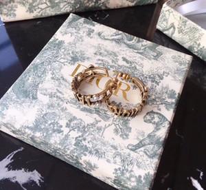 aguja de la moda pendientes de diseño francés para damas cobre con mujeres de joyería de perlas delicada diseñador de las señoras pendientes con la caja D8955