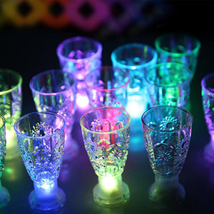 LED 미니 발광 플래시 라이트 다채로운 KTV 콘서트 바 특수 음료 용기 깜박임 음료 와인 컵 장식 머그잔 XD23437