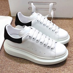 Mens and womens luxury casual shoes designer shoes 3M reflective fashion party muffin shoes velvet track and field flat bottom increased qwa