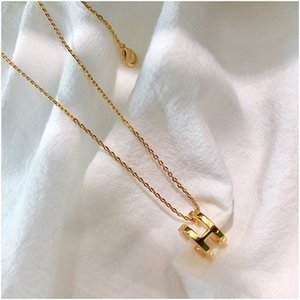 Luxury Jewelry Color H Pendant Designer Necklaces for Women Stainless Steel Silver Rose Gold Chain Wahite Choker Fashion Style with Box
