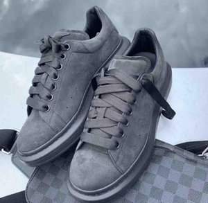Echt Grau Wildleder Sneaker-Plattform-Schuhe Männer Frauen Maxi-Sneaker Hochzeit Schuhe hohe Qualität mit Box
