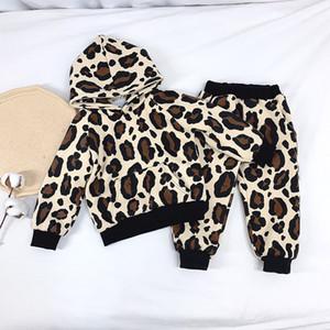 아이 디자이너 재킷 여자는 남성 디자이너 후드 겨울 코트 플러스 벨벳 두꺼운 표범 투피스 정장 운동복