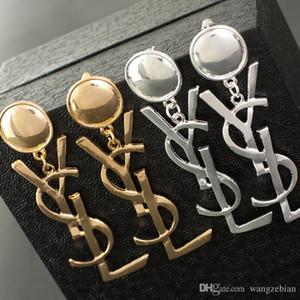 Großhandel Stück! Marke 14 Karat Gold Silber Ohrstecker Perle Diamant Corsage Klassische Designer Brief Logo Kragen Pin Party Hochzeit Schmuck AA1