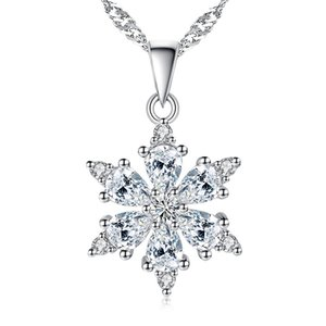 Women Necklace Glittering Snowflake With Zircon Necklaces & Pendants Silver Colour Necklace Fashion Jewelry Best Gift K125
