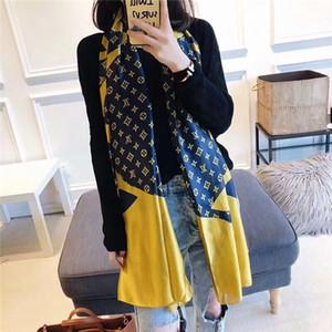 Foulard en soie femme à la mode châle élégant beau style multicolore design porter des vêtements confortables au printemps, été et automne