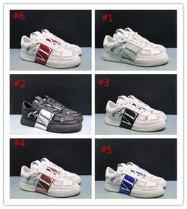 Zapatillas planas SS 2020 de calidad superior con tachuelas Hombres Mujeres Zapatillas de piel de becerro VL7N con bandas Zapatillas de piel de becerro de gran tamaño Con caja original 35-45
