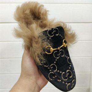 Top série pantoufle édition pantoufles en peau de vache à la mode et confortable Semelle extérieure en cuir italien dames tendance pantoufles usure taille 35-41
