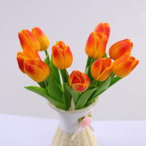 10 ADET Gerçek Dokunmatik PU Yapay Laleler Ev Dekorasyon için Yapay Çiçek Gelin Düğün için Sahte Bitki Tutan Çiçekler