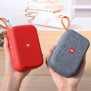 Piazza Wireless Speaker Stereo Bluetooth esterna impermeabile di sostegno Speaker TF 2000MAH Super Battery Capacity caldo