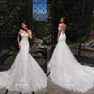 Marfil fuera de los hombros Sirena Vestidos de novia 2019 Playa de encaje completo Apliques Corazones de novia Volver Vestidos de novia Vestidos de novia de verano