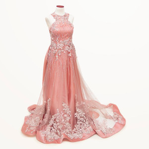 2019 Luxurious Beaded Lace Evening Dresses Halter A-line Vintage Sexy Prom Dresses Charming Formal Party Pageant Gowns
