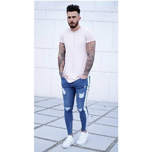 2020 New Mens Designer Jeans Hot In Europe and America Pull The Knee Hole Jeans Male Fashion Hot Sale Hiphop Street Style Summer Casual