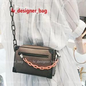 الكلاسيكية حقيبة CROSSBODY حقائب فاخرة حقائب المحافظ النسائية البسيطة الناعمة جذع Boxs 2020 أزياء العلامة التجارية جلد اليد للسيدات الفاصل الكتف حقيبة