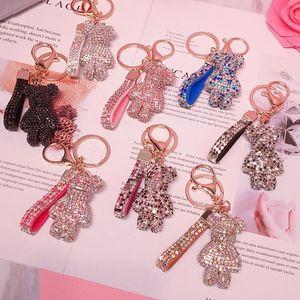 Mode féminine Accessoires avec diamant ours porte-clé Pendentif cristal Sac poupée Cartoon Porte-clé 8 couleurs