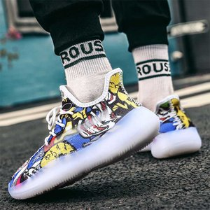 أزياء الرجال أحذية رياضية شخصية ضوء تصميم الكتابة على الجدران الاحذية ذكر في الهواء الطلق تنفس شبكة الركض حذاء المشي الرياضية