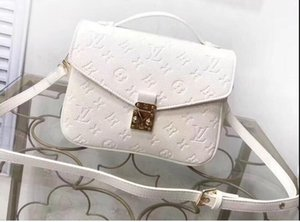 2020 Trendy crossbody bag, soft leather fabric, compact body with a number of practical pockets multi-layer
