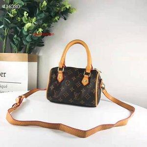shoulder Design ladies shoulder bag high quality fashion totes shoulder bag chain phone Wallets messenger bags clutch bag