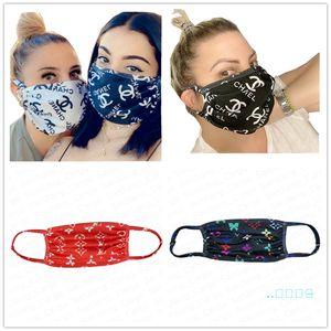 50PCS / DHL Brand Fashion Face Маски дизайнер лицевая маска Многоразовый моющийся ультрафиолетовое доказательство пылезащитный Рот Обложка езда Велоспорт Спорт E4105