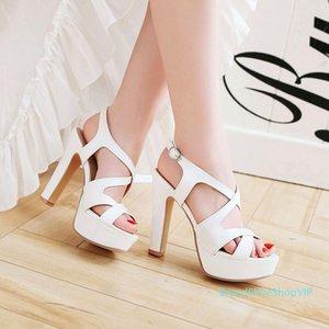Sexy2019 gros plate-forme étanche avec des sandales femme d'été 18 Joker Fasciola évider un poisson bouche chaussures à talons hauts Will