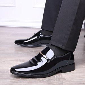 2019 dedo del pie acentuado Verano Otoño de vestir para hombre zapatos zapatos de boda transpirable Negro Traje Formal Oficina Zapatos de cuero del hombre