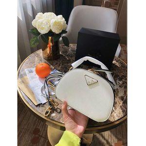 2020The neue echten Leder-Schulter getragen Frauen Eimer Taschen Frauen-Handtasche Fashion Mini Designer-Taschen-Querkorn Crescent Paket Geldbeutel