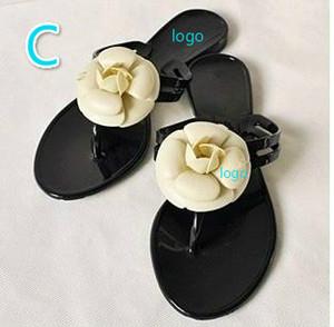 Desinger mulheres chinelos ao ar livre sandálias chinelos Flip Flops flats não-slip Verão de alta moda sandálias de praia com flores Frete Grátis