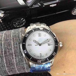 2018 luxury fully automatic machine core watch.Gold standard three needle, men's sports machinery watch. Support wholesale.