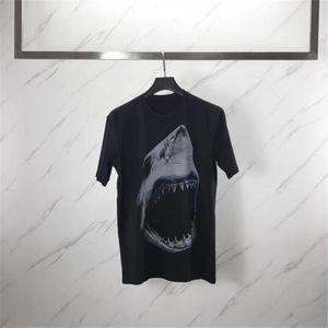 Herren-Stylist-T-Shirt Männer Frauen Short Sleeve 3D Shark-Druck-T-Shirt Frauen Camisa Masculina Stylist-T-Shirt