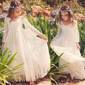 2020 New Beach Girl Vestidos Branco Marfim Boho vestido de primeira comunhão para a menina V-Neck manga comprida A-Line baratos Crianças vestido de casamento