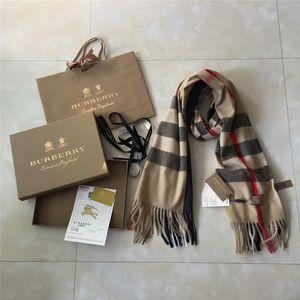 2018 totalmente nuevo invierno gruesa cachemira bufandas bufandas de cachemira marca de moda de gama alta para los hombres y las mujeres 200 * 70cm tienen etiquetas