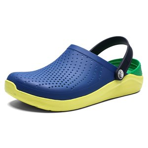 2019 Summer New Mens crocks shoes Clogs Sandals EVA Lightweight Beach Slippers For Men Women Unisex Garden crocse Shoe Flip Flop Y200520
