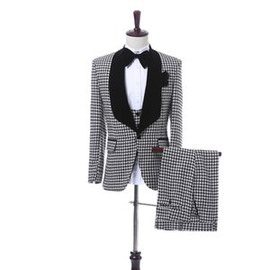 Handsome Groomsmen Shawl Lapel Groom Tuxedos Mens Wedding Dress Man Jacket Blazer Prom Dinner 3 Piece Suit(Jacket+Pants+Tie+Vest) AA176