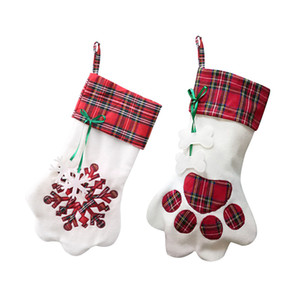 Regalo de Navidad 1PC caramelo Calcetines Bolsa de tela escocesa Bolsas linda creativa del perro casero de la garra del copo de nieve calcetines de la media del árbol de Navidad Colgantes