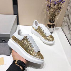 Jonewu 2020 новых людей женщин мода обувь белый зеленый Назад платформы Flat Повседневная обувь Lady Black Pink Red Gold Женщины White СТ1