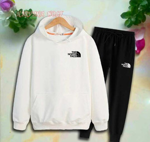 Envío gratis Spring Luxury Logo Designer boy girl camiseta Pantalones Traje de dos piezas Niños Marca Niños 2pcs Conjuntos de ropa de algodón