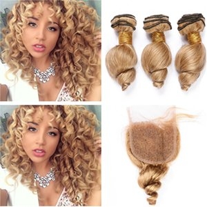 Paquetes de cabello humano de Malasia con cabello suelto ondulado de color miel rubio con cierre # 27 El cabello virgen ondulado de color marrón claro teje 3 paquetes con cierre de encaje 4x4