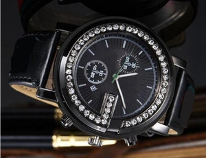 2019 cadeau Hot diamant daydate designer montres produit de mode de luxe chez les hommes et les femmes date nouvelle horloge en acier montres à quartz pour hommes