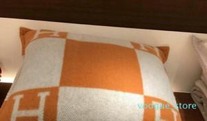 소파 침대 홈 장식 45 * 45cm 필링과 수동 니트 격자 무늬 유럽 베개에 대한 H 문자 쿠션 장식 베개 쿠션