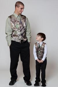 Nouveau Personnaliser Slim Fit Tuxedos Groomsmen Groomsmen Gris Clair Évacuation Latérale Mariage Meilleur Costume Homme Costumes Pour Hommes (Veste + Pantalon + Gilet + Cravate) 1639