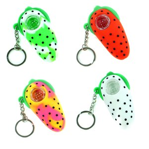 Sample Strawberry Silicone Hand Pipe 2.9 inches Unbreakable Water Pipe Bong With Glass Bowl And Key Chain Portable Hookah MOQ 1 Piece