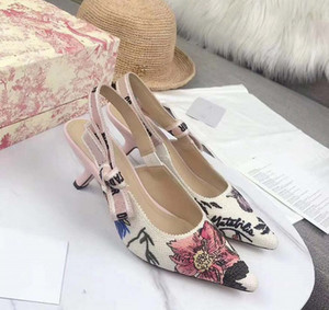 Yeni Fashoin Kadın Ayakkabı topuk Bayanlar Düz Kadın Trend Classics Tasarımcı Ayakkabı Zarif Yapay elmas Pionted Ayak parmakları Elbise Ayakkabı FEN03 bag05