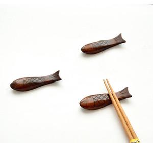 Fisch geformt Naturholz Geschirr Halter Stäbchen Rest Löffel Gabel Messer Holzhalter Rack Küche Werkzeuge SN3254