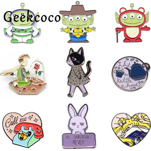J1433 Geekcoco Cartoon Cat Petit Prince Métal Collier Broche Anime Sailor Moon Pin Jeans Shirt Badges Backpack Pins