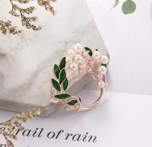 Colore vegetale Sciarpa Pin del 2020 di alta qualità Fancy Style Donne Foglia Spille Pearl Brooches della lega per gli accessori di stoffa all'ingrosso