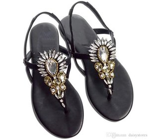 Stile della Boemia strass punta della clip Buckle Strap Donna Sandali Roma Progettato Scarpe sandali di cristallo degli appartamenti della spiaggia di estate Scarpe