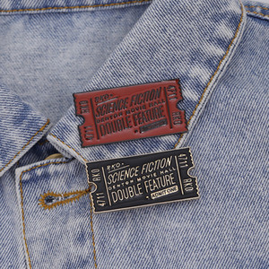 Rocky Horror Movie Bilet Broş BİLİM KURGU, ÇİFT ÖZELLİĞİ Emaye Pin Yaka Pin Badge Kırmızı Siyah Bilet Broş Broche
