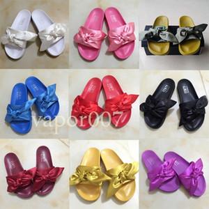 2021 En İyi Tasarımcı Moda Plaj Slayt Sandalet Rihanna Kürk Terlik Erkek Kadın Çevirme Kabarık Havuz Chaussures Rahat Ayakkabılar