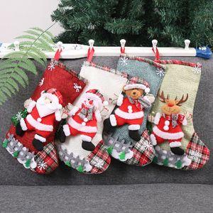 Christbaumschmuck Strümpfe Weihnachtsdekoration Plaid Weihnachtsmann Socken Snowflake Elk Geschenk Lagerung Socken Süßigkeit Stocking BH2613 TQQ