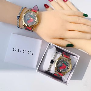 2019 regalo de Navidad fresa dial de la manera Hombres Mujeres 38MM colorido de lujo de cuero del cuarzo Regalo Hombre Reloj Señora Relogio Montre con la caja