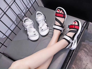 2020New summer sandals Adjustable buckle Fashion new model